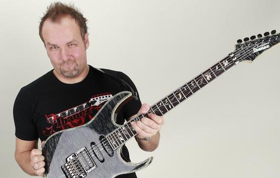 Musiklehrer für Gitarrenunterricht, Gitarrenlehrer Ralf Sommerfeld, unterrichten in Hannover, an ihrer Gitarrenschule Guitar School Hannover Anfänger oder Fortgeschrittene.