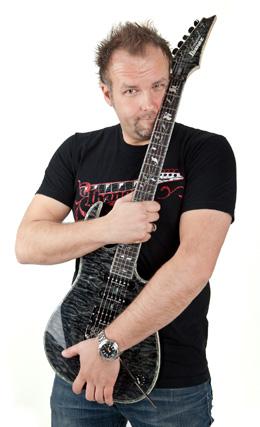 Ralf Sommerfeld spielte mit vielen weltbekannten Gitarristen